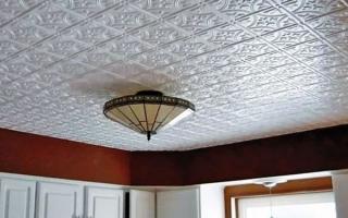 Можно ли клеить потолочную плитку на плитку: как это сделать?