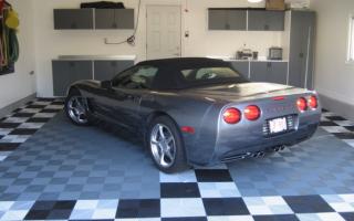 Плитка для гаража на пол: керамогранит и его альтернатива