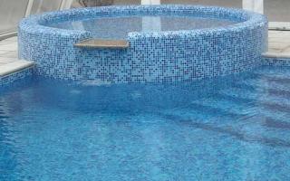 Укладка плитки и мозаики в бассейне: пошаговая технология