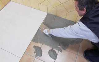 Стоит ли укладывать плитку на старую плитку на стене