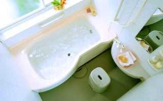 Дизайн маленькой ванной с окном — оригинальные идеи