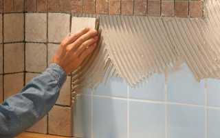 Как приклеить плитку на плитку в ванной: опытные способы