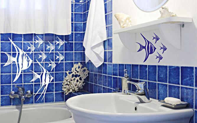 Локальное использования наклеек в ванной
