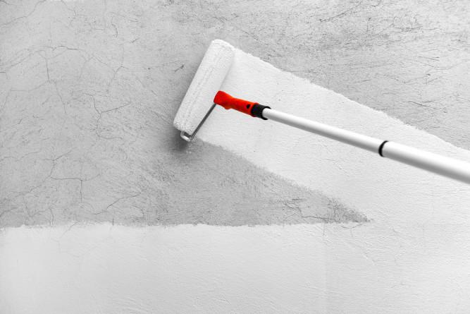 Нанесение грунтовки уменьшит пористость слоя штукатурки