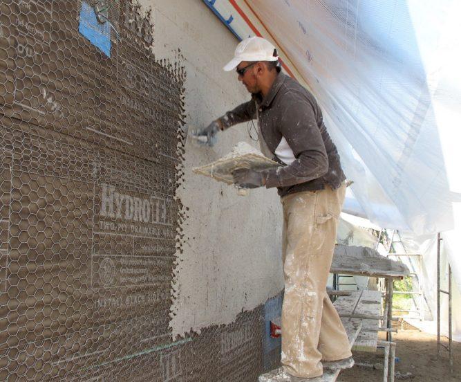 Штукатурка фасада по армирующей сетки