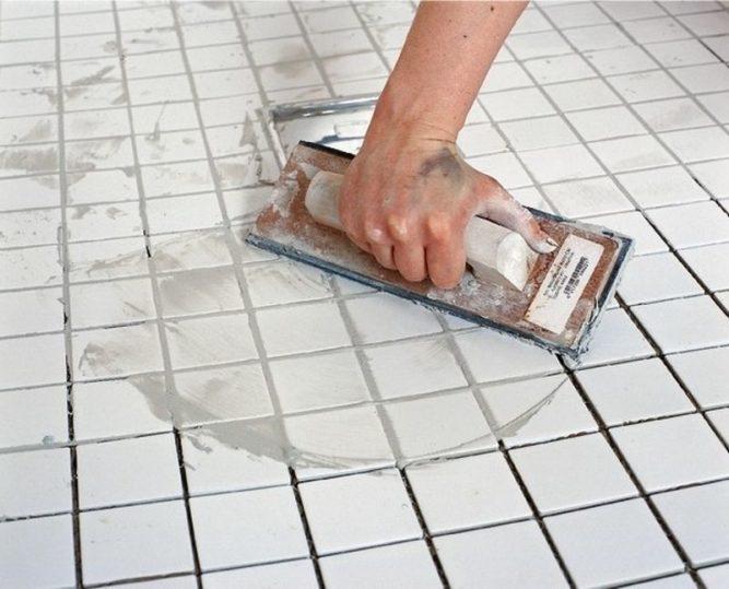 Расшивка швов плитки