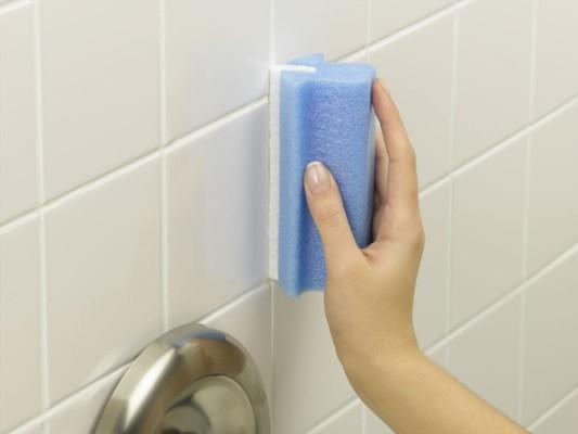 как почистить кафельную плитку в ваннои