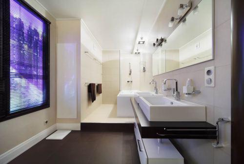 фальш-окно в ванной комнате фото