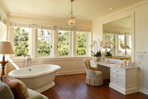 Дизайн большой ванной комнаты с окном - фото вариантов