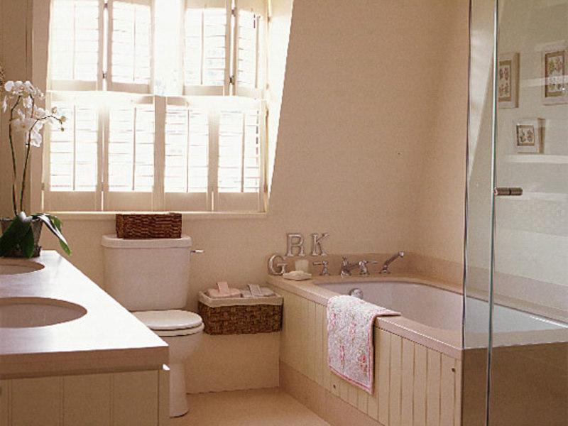 Ставни на окнах в ванной