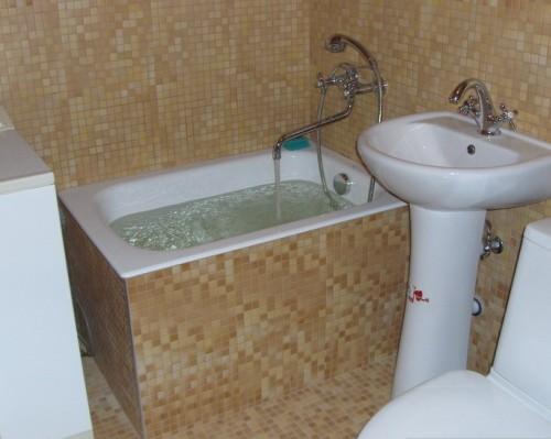Сидячая ванная более экономная по размеру