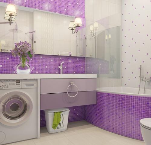 Фиолетовая и белая майолика для ванной комнаты