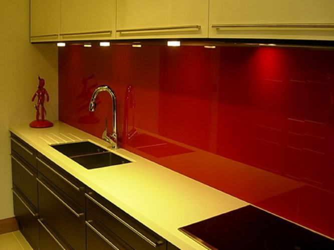 Скинали для кухни цветные