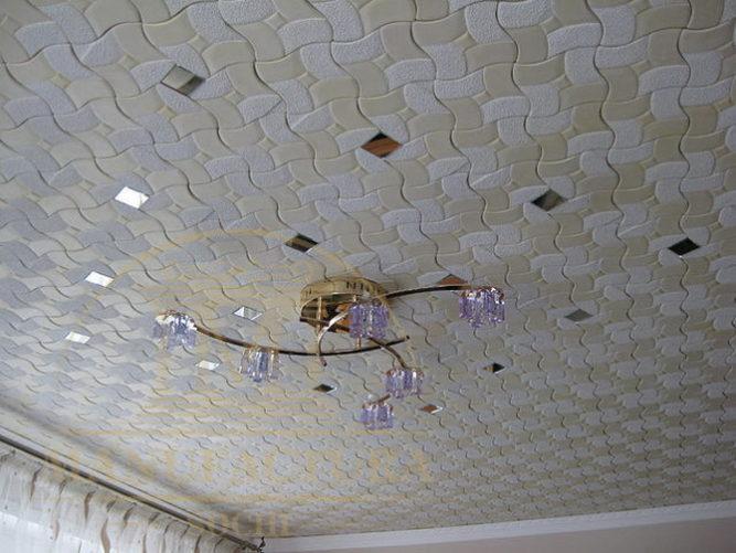Потолочные панели с зеркальными вставками