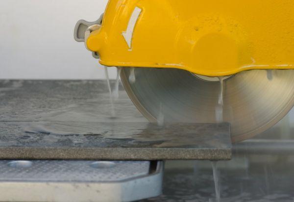 Электрический плиткорез с водяным охлаждением