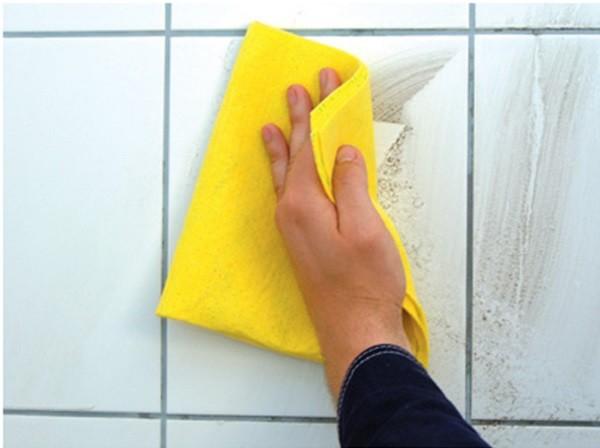 Строительную пыль можно просто смыть водой