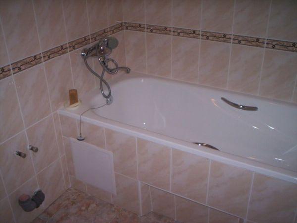 Важно не только знать, как облицевать ванну плиткой, но и грамотно подготовить поверхность