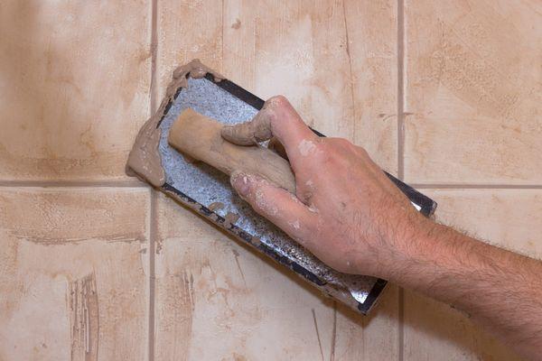 Заполнение швов цементными составами