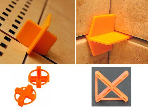 Чтобы получить красивые равномерные швы при укладке, используются пластиковые крестики для плитки