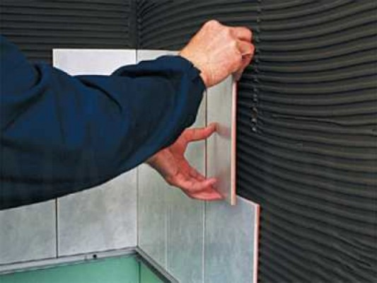 технология укладки кафельнои плитки на стену