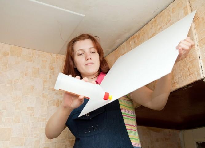 Специальный клей для потолочной плитки