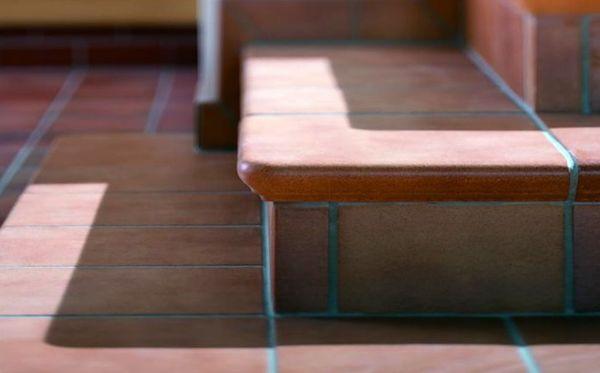Накладки изготавливаются из керамики или металла