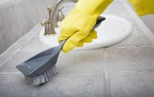как очистить плитку в ваннои