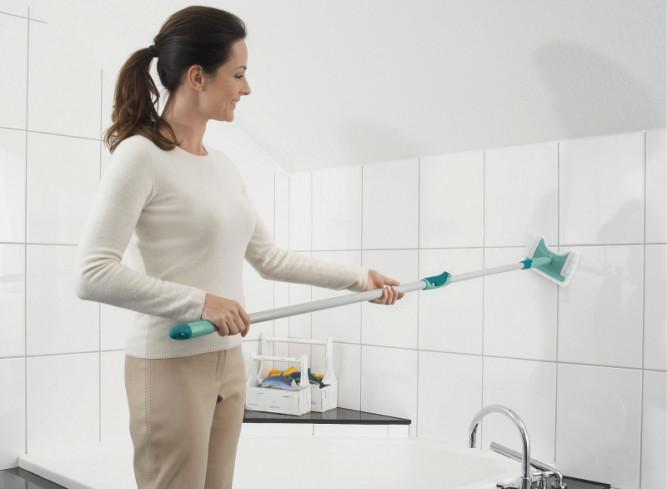 Отмываем плитку после ремонта