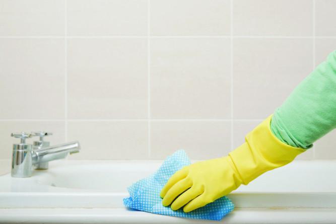 Отмываем плитку в ванной комнате