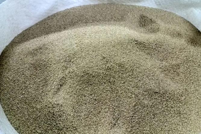 В состав плитки входит кварцевый песок