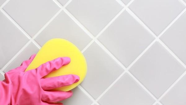 чем очистить кафельную плитку в ванной