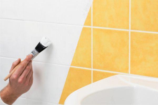 Перед покраской для начала необходимо очистить ее от жира, грязи или других отложений