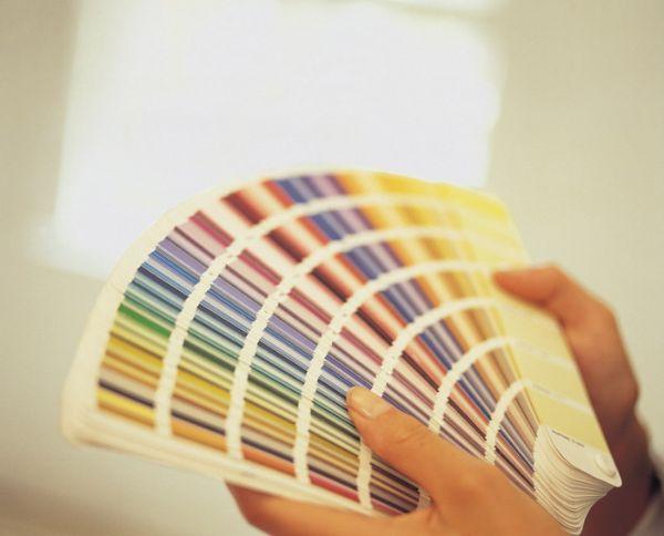 Наиболее важным моментом является правильный выбор краски и цвета