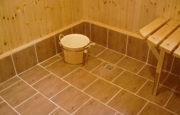 Устройство слива в бане