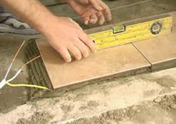 как правильно положить напольную плитку самому