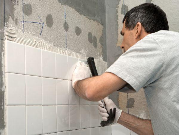 От толщины слоя плиточного клея зависит прочность сцепления плитки с основой
