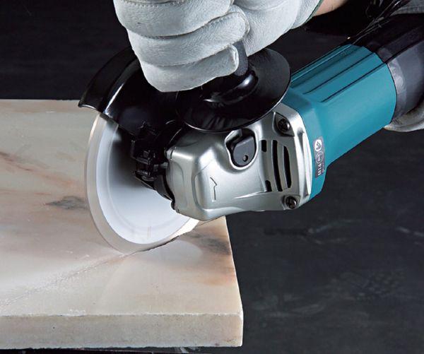 Резка керамической плитки может быть прямой и фигурной
