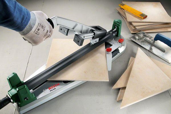 Плиткорез – это инструмент, который необходим для резки плитки.