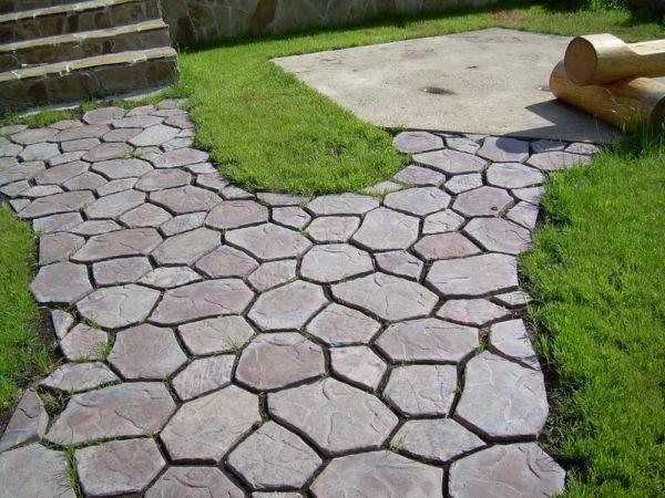 Оптимальный вариант для производства тротуарной плитки – цемент