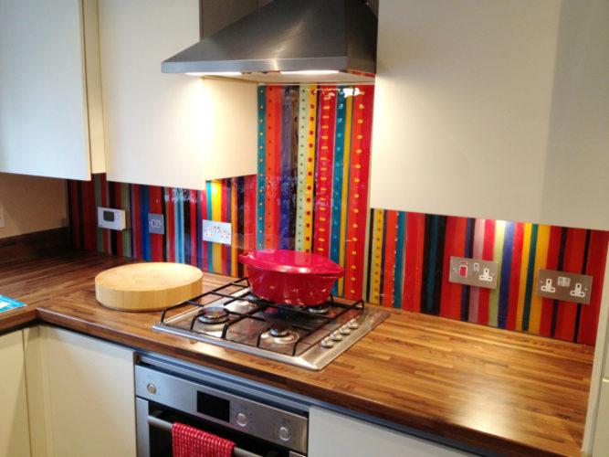 Замена кафельному фартуку на кухне