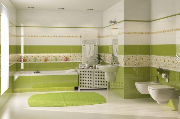 Горизонтальная полоса, опоясывающая ванну расширяет помещение